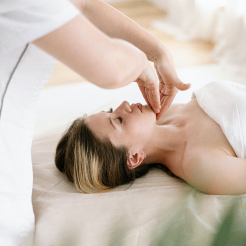 Lava Shell Massage